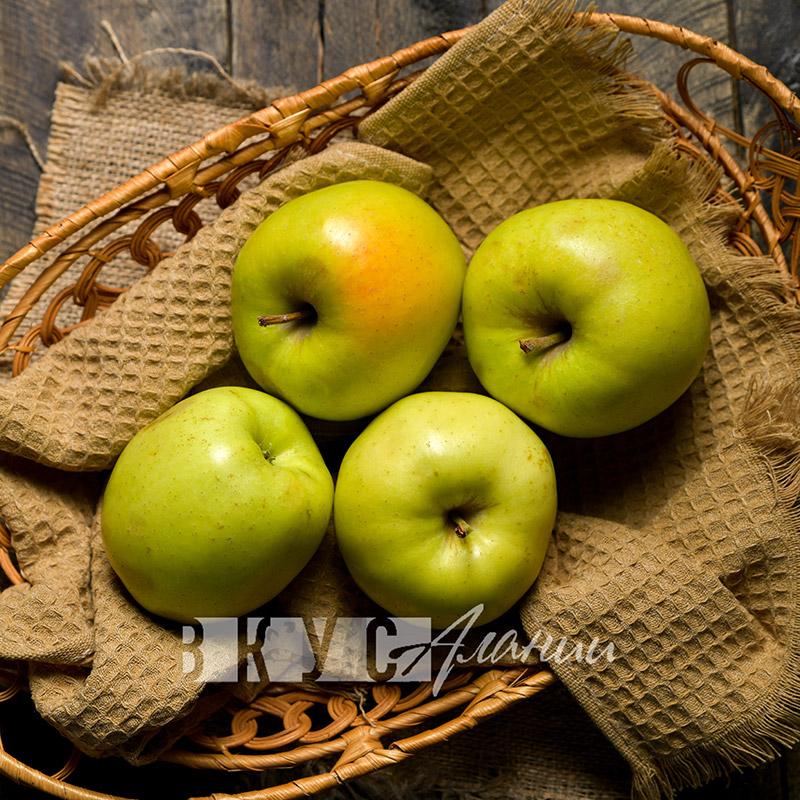 """Яблоки """"Фуджи"""""""