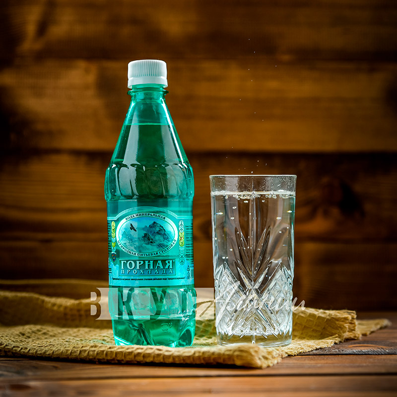 """Минеральная природная столовая слабоминерализованная вода """"Горная прохлада"""", негазированная 0,5 л"""